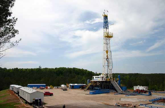 Drilling-for-oil-and-forest
